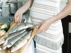 গর্ভাবস্থায় মাছ খেলে শিশুর মস্তিষ্ক বিকাশে ভূমিকা রাখে