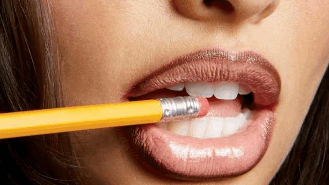 দীর্ঘক্ষণ Lipstick ঠোটে রাখার কিছু Killer Tips