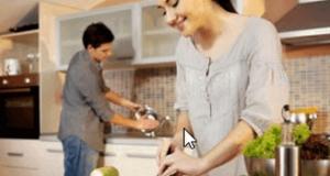 ঘরের কাজে সময় ব্যয় করলে যৌন জীবন মধুর হবে